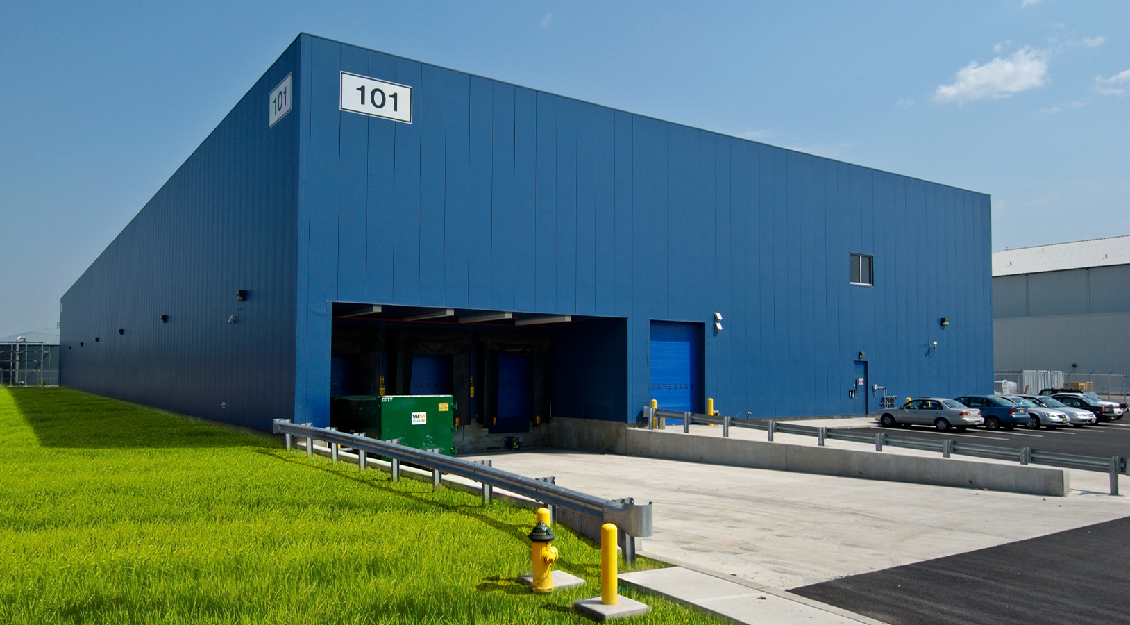United Airlines | Storage Building at Newark Liberty International Airport